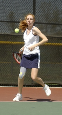 Tennis Player with Prosthesis Leg